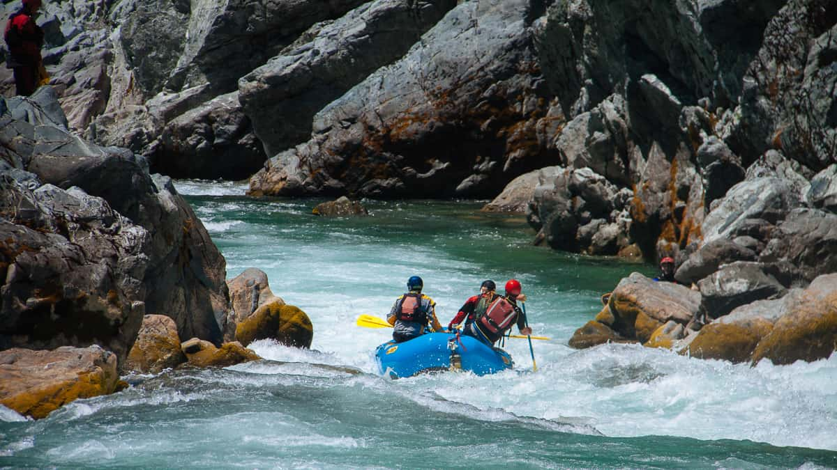 Rafting Oregon Hole Gorge at low water